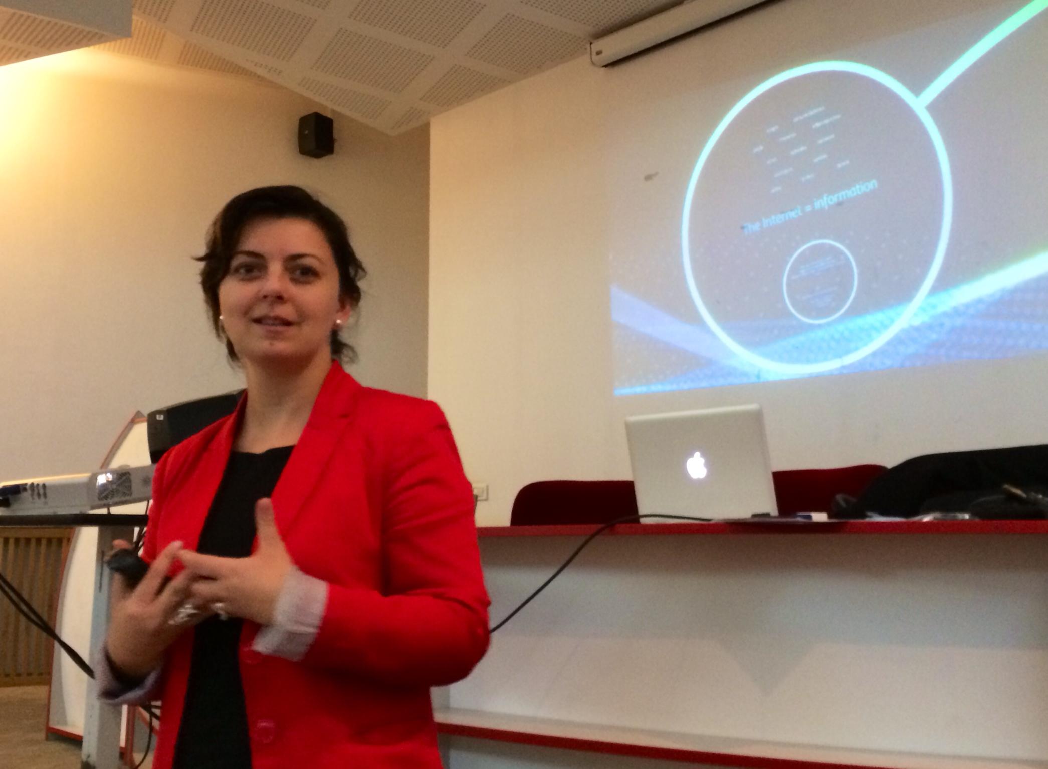 Ana Adi at SNSPA /  NUPSPA